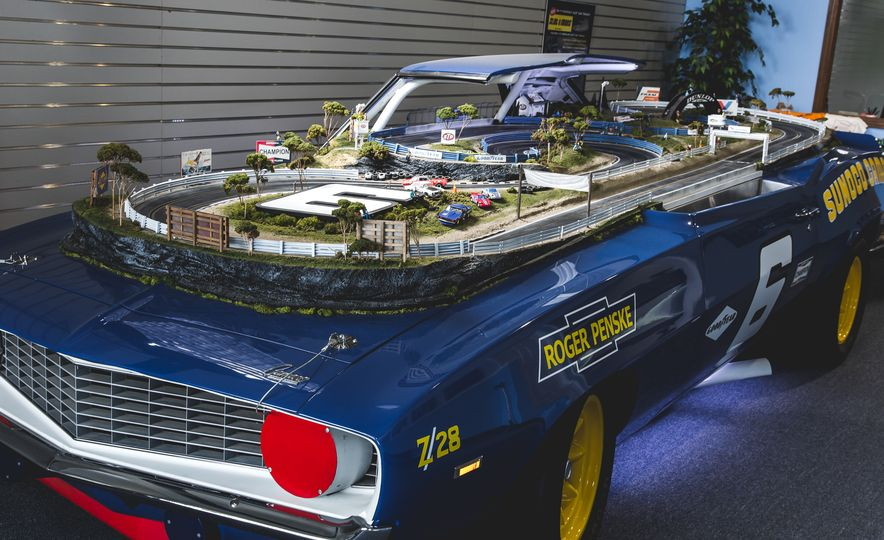 David Beattie Makes the World's Most Extravagant and Realistic Slot-Car Tracks - Slide 1