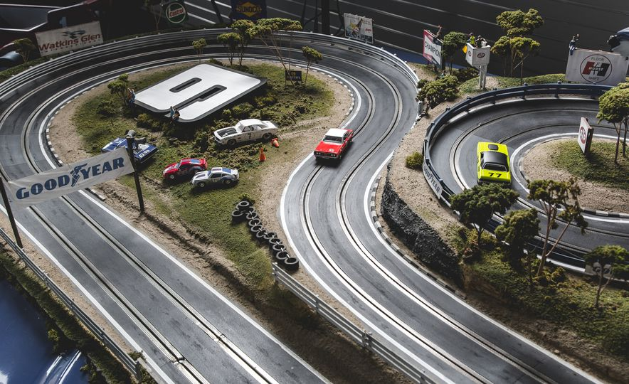 David Beattie Makes the World's Most Extravagant and Realistic Slot-Car Tracks - Slide 6