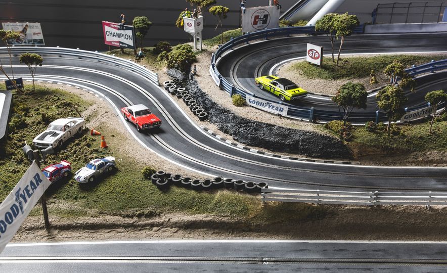 David Beattie Makes the World's Most Extravagant and Realistic Slot-Car Tracks - Slide 7