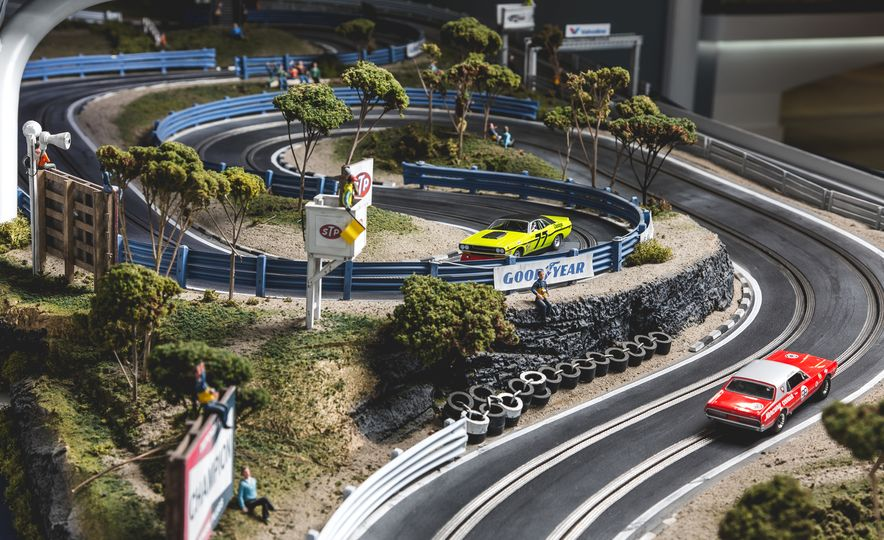 David Beattie Makes the World's Most Extravagant and Realistic Slot-Car Tracks - Slide 8