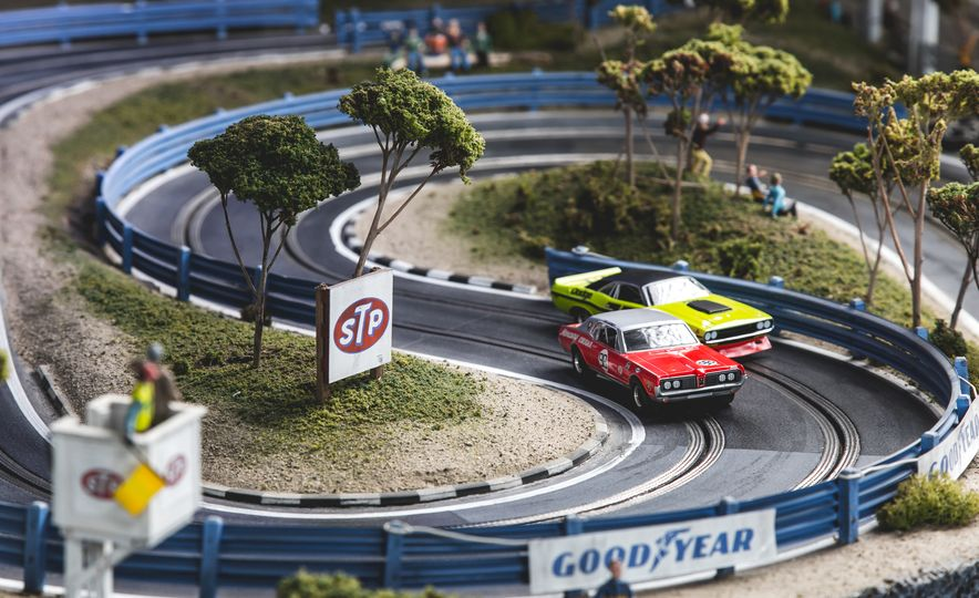 David Beattie Makes the World's Most Extravagant and Realistic Slot-Car Tracks - Slide 10