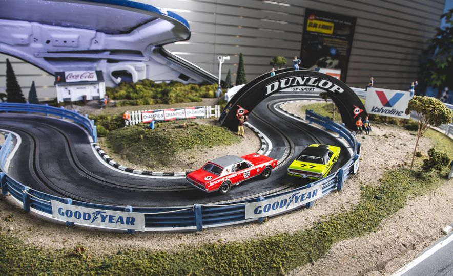 David Beattie Makes the World's Most Extravagant and Realistic Slot-Car Tracks - Slide 12