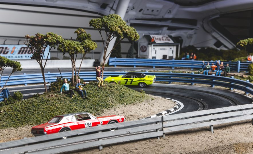 David Beattie Makes the World's Most Extravagant and Realistic Slot-Car Tracks - Slide 18