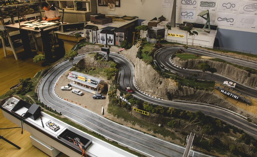 David Beattie Makes the World's Most Extravagant and Realistic Slot-Car Tracks - Slide 20