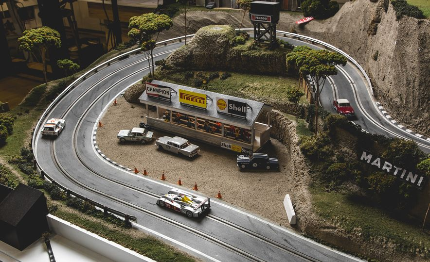 David Beattie Makes the World's Most Extravagant and Realistic Slot-Car Tracks - Slide 24