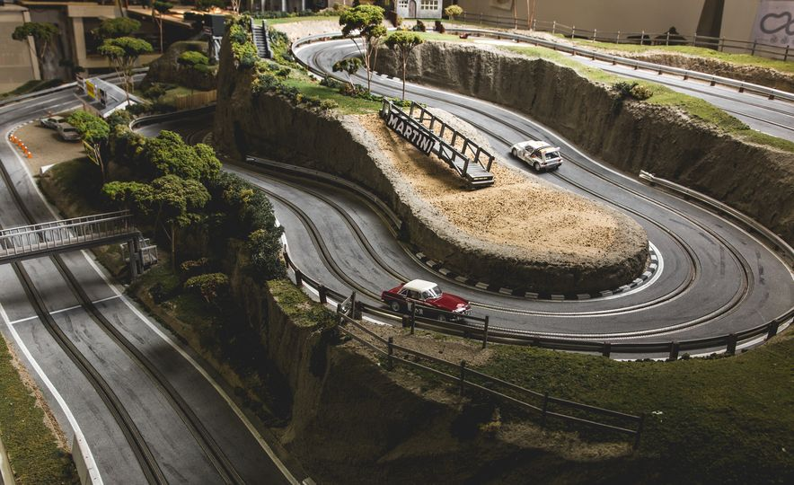 David Beattie Makes the World's Most Extravagant and Realistic Slot-Car Tracks - Slide 25
