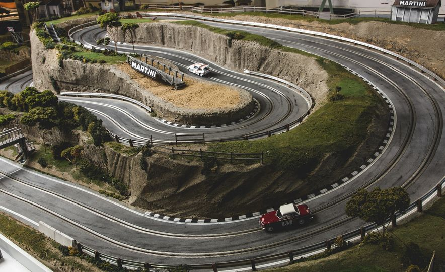 David Beattie Makes the World's Most Extravagant and Realistic Slot-Car Tracks - Slide 26