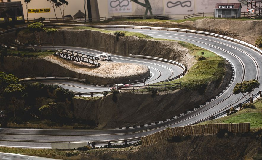 David Beattie Makes the World's Most Extravagant and Realistic Slot-Car Tracks - Slide 27