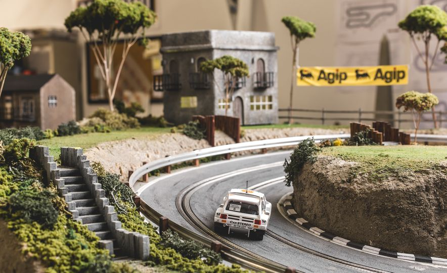David Beattie Makes the World's Most Extravagant and Realistic Slot-Car Tracks - Slide 29