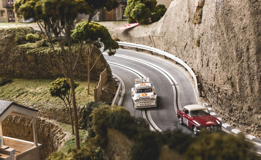 David Beattie Makes the World's Most Extravagant and Realistic Slot-Car Tracks - Slide 31