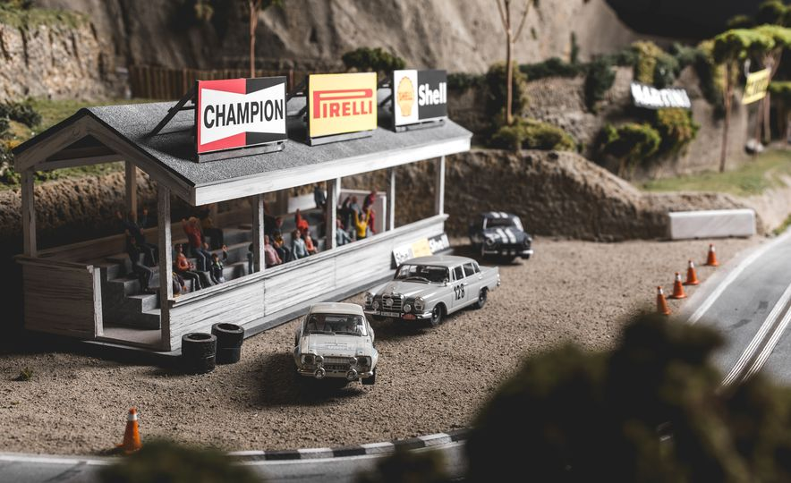 David Beattie Makes the World's Most Extravagant and Realistic Slot-Car Tracks - Slide 35
