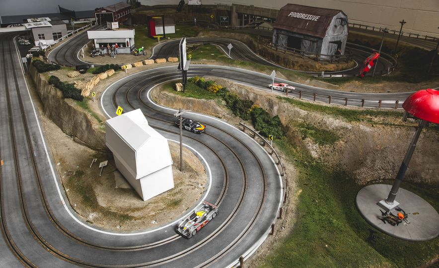 David Beattie Makes the World's Most Extravagant and Realistic Slot-Car Tracks - Slide 41