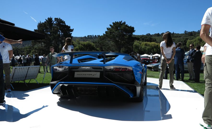 2016 Lamborghini Aventador SV Roadster - Slide 10