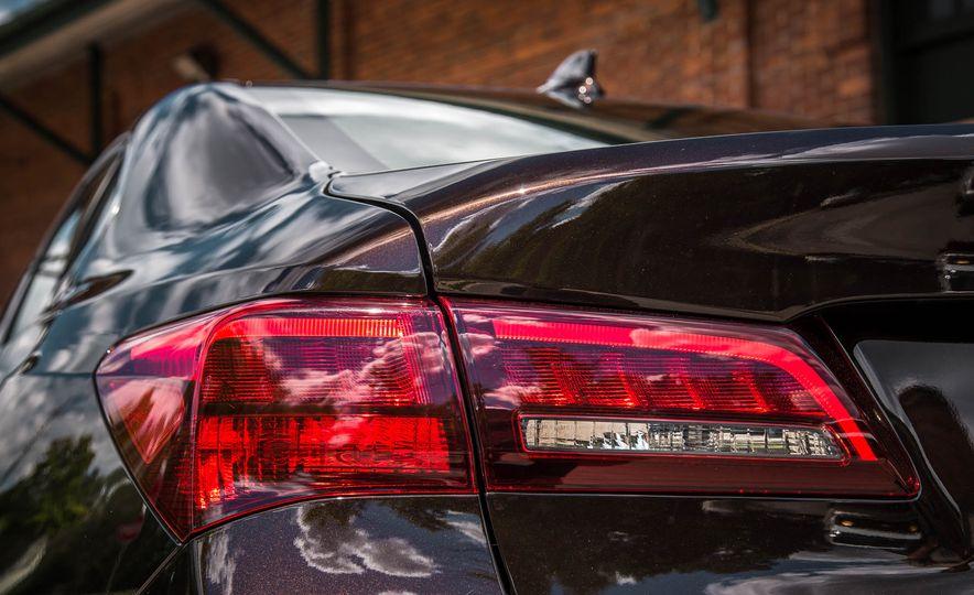 2015 Acura TLX SH-AWD - Slide 18