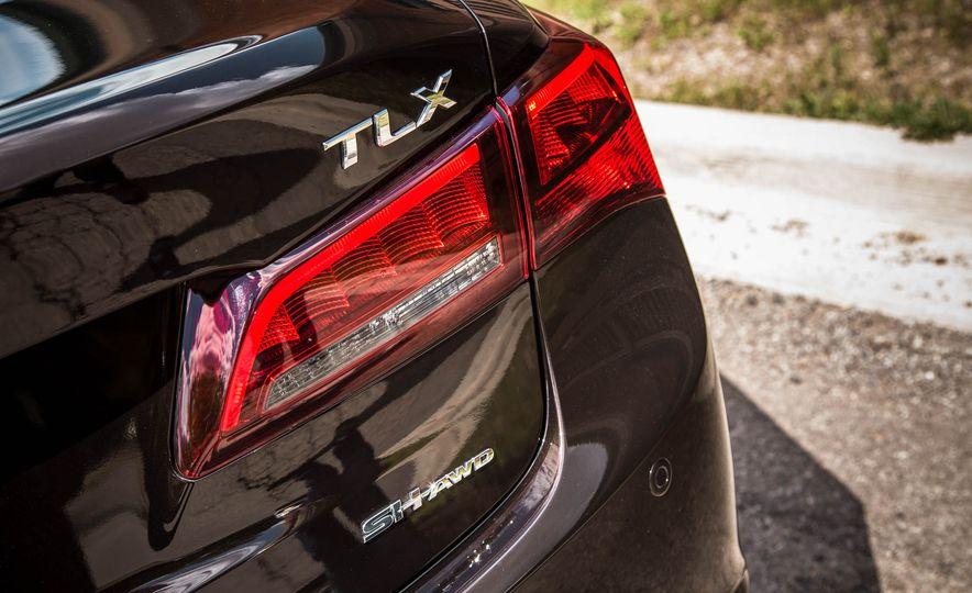 2015 Acura TLX SH-AWD - Slide 19