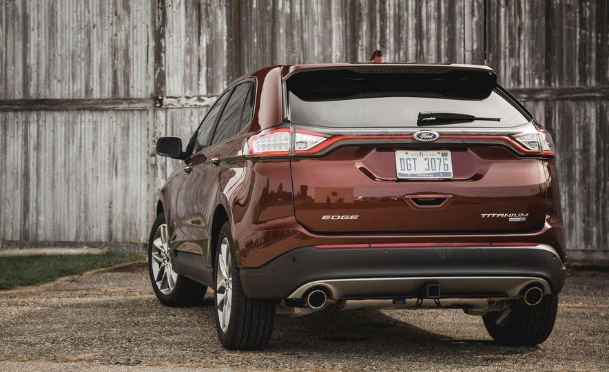 2015 Ford Edge Titanium 2.0T EcoBoost - Slide 9