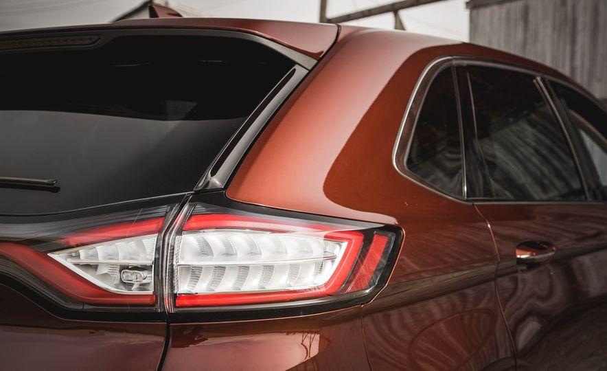 2015 Ford Edge Titanium 2.0T EcoBoost - Slide 15