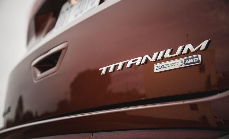 2015 Ford Edge Titanium 2.0T EcoBoost - Slide 18