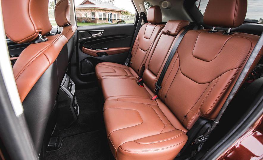 2015 Ford Edge Titanium 2.0T EcoBoost - Slide 26