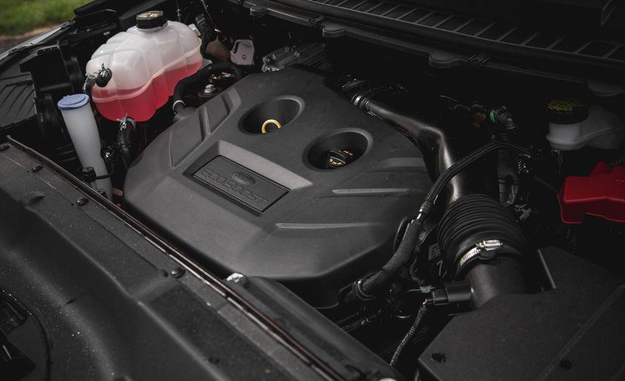 2015 Ford Edge Titanium 2.0T EcoBoost - Slide 35