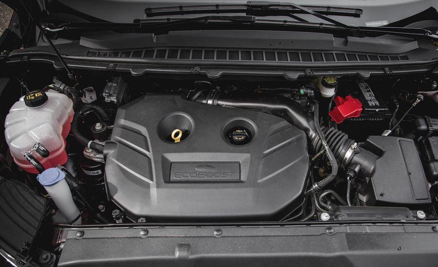 2015 Ford Edge Titanium 2.0T EcoBoost - Slide 36