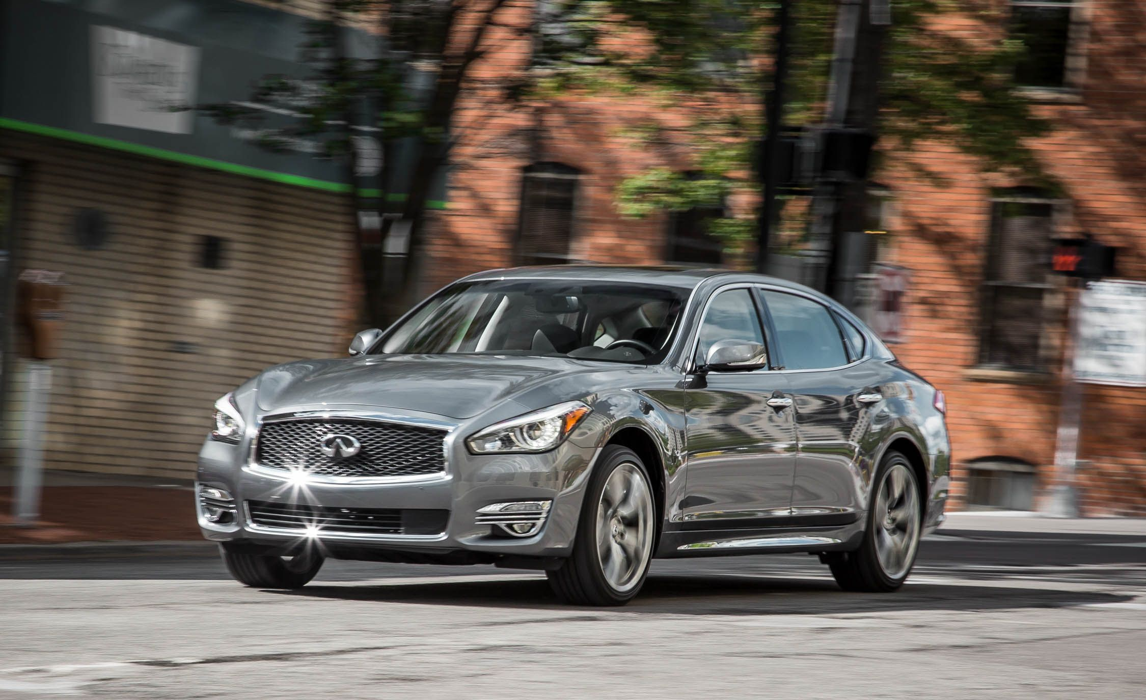 2019 Infiniti Q70 Reviews Price Photos And Specs Car Driver