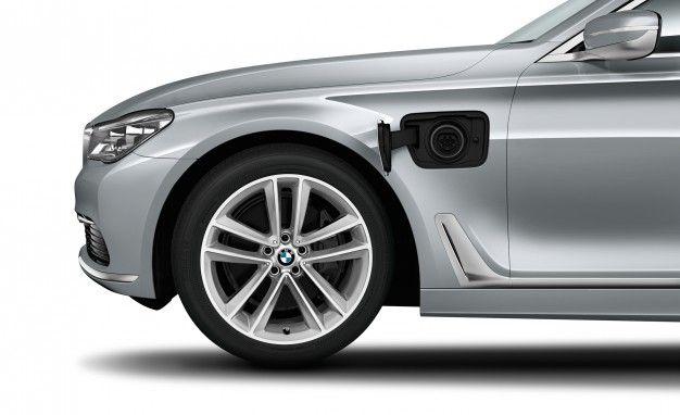 "BMW Announces ""iPerformance"" Moniker for Plug-In Hybrids"