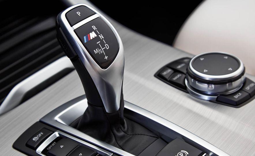 2016 BMW X4 M40i - Slide 38