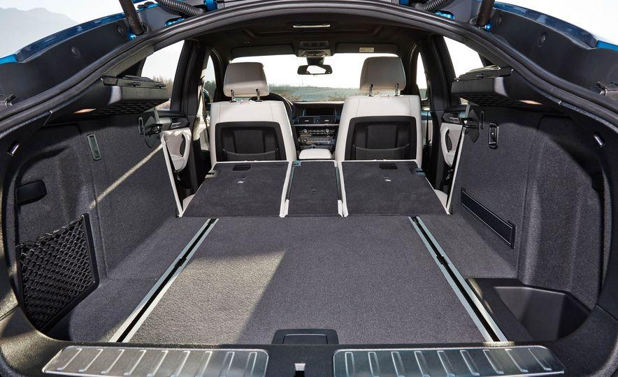 2016 BMW X4 M40i - Slide 39