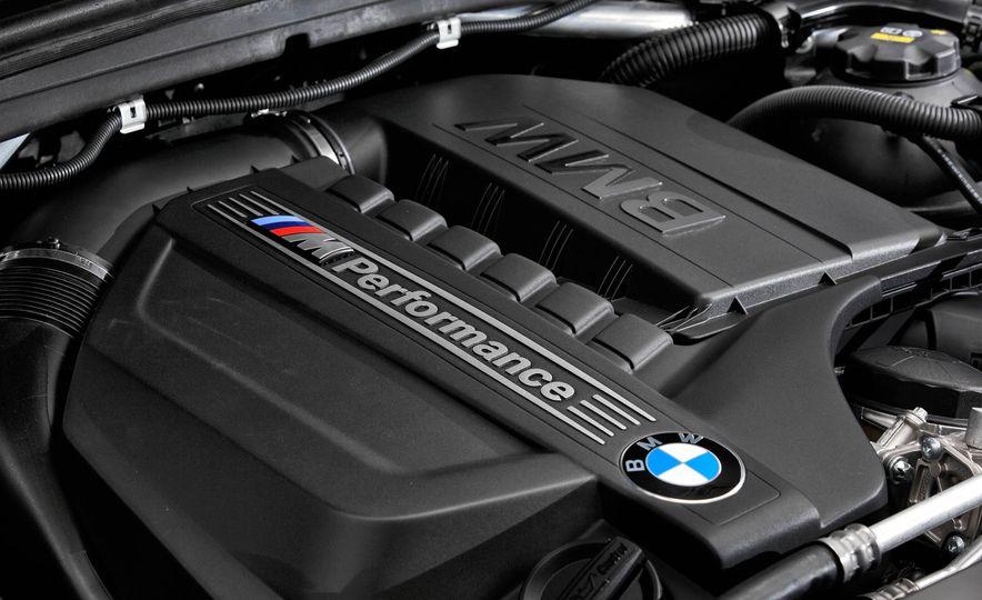 2016 BMW X4 M40i - Slide 41