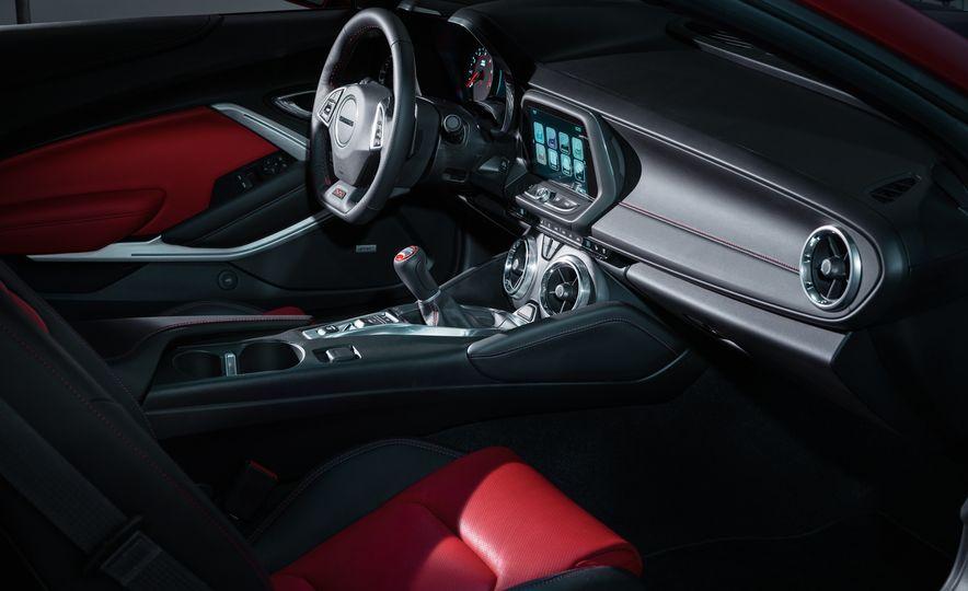 2016 Chevrolet Camaro SS - Slide 10