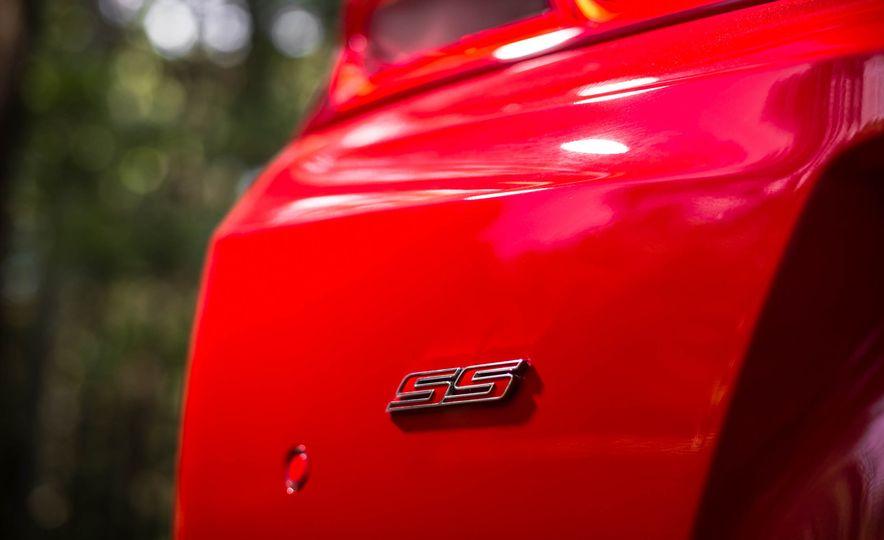 2016 Chevrolet Camaro SS - Slide 12