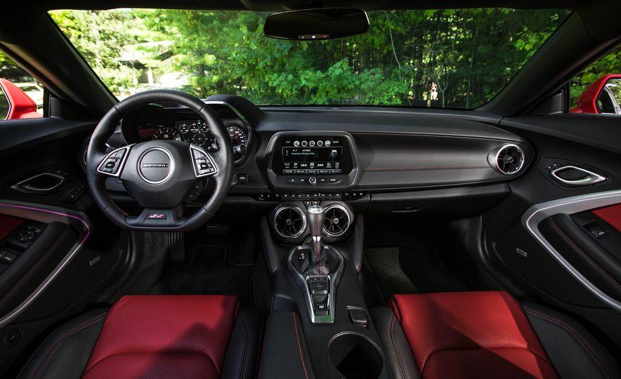 2016 Chevrolet Camaro SS - Slide 21