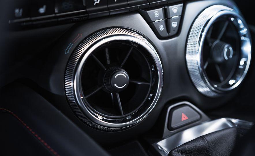 2016 Chevrolet Camaro SS - Slide 17