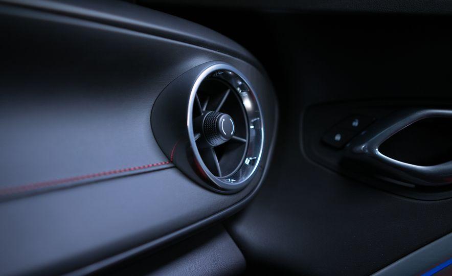 2016 Chevrolet Camaro SS - Slide 18
