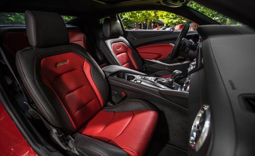 2016 Chevrolet Camaro SS - Slide 14