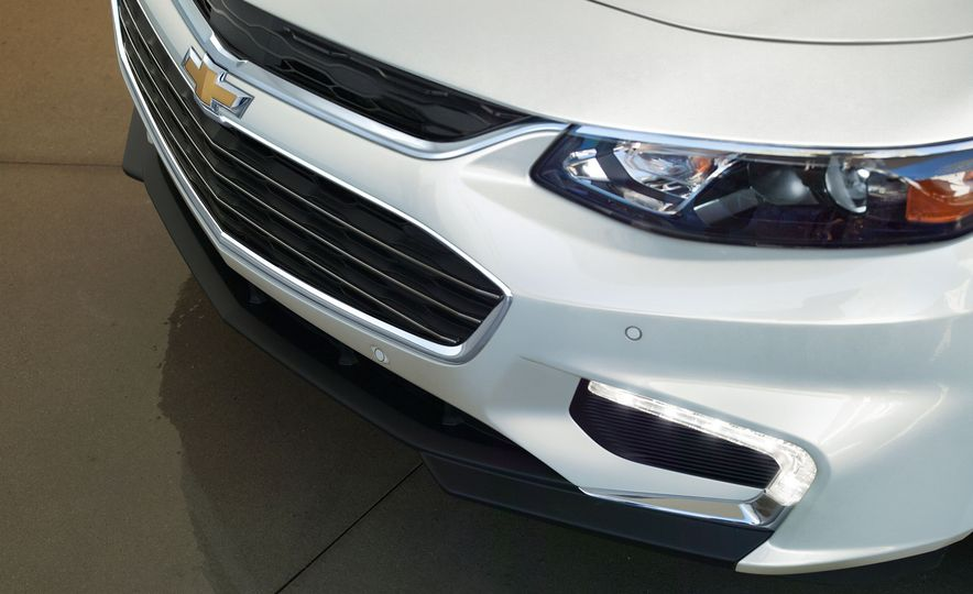 2016 Chevrolet Malibu - Slide 6