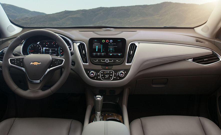 2016 Chevrolet Malibu - Slide 8