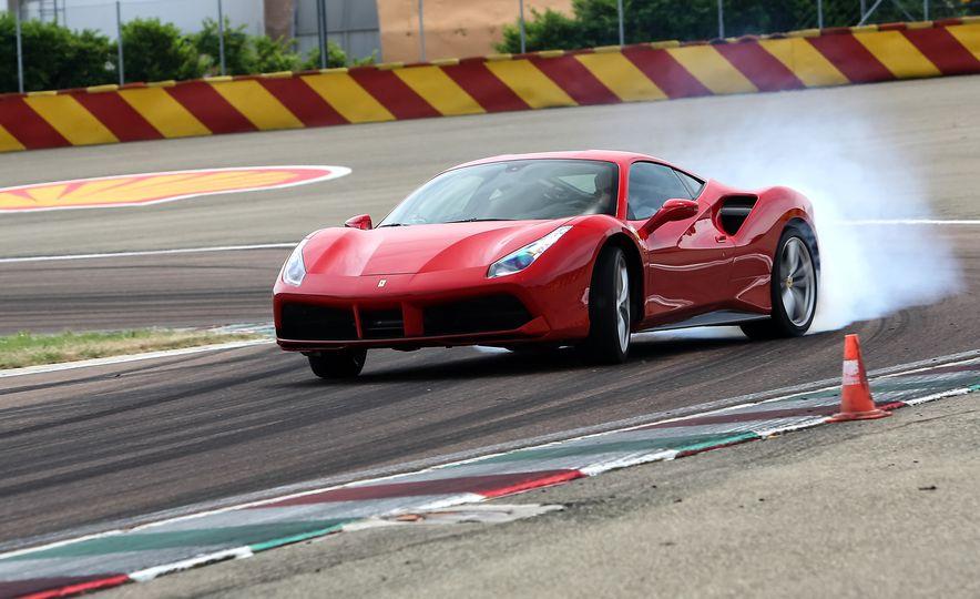 2016 Ferrari 488GTB - Slide 3