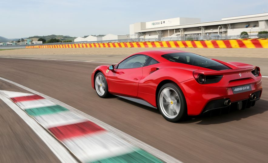 2016 Ferrari 488GTB - Slide 4