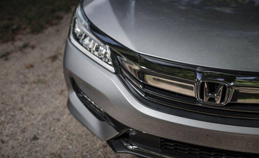 2016 Honda Accord V-6 Touring - Slide 4