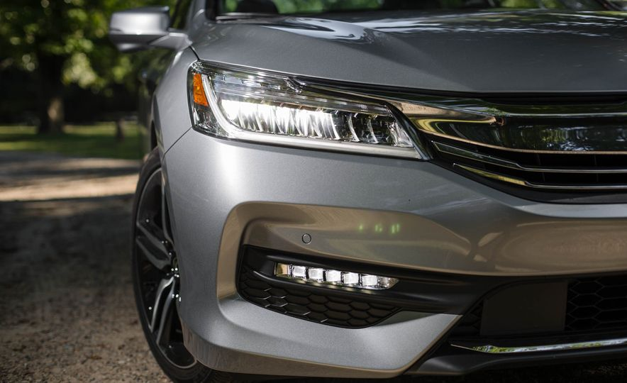 2016 Honda Accord V-6 Touring - Slide 6