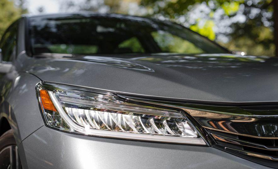 2016 Honda Accord V-6 Touring - Slide 7