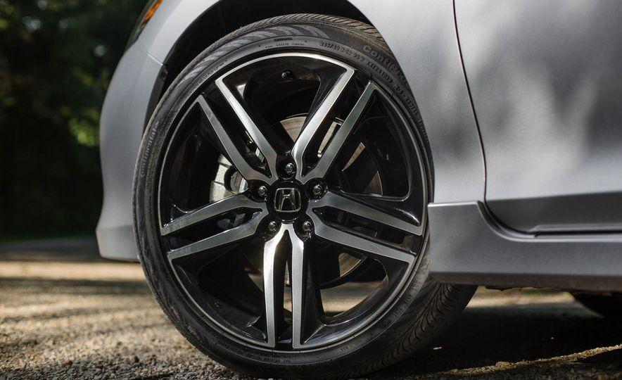 2016 Honda Accord V-6 Touring - Slide 8