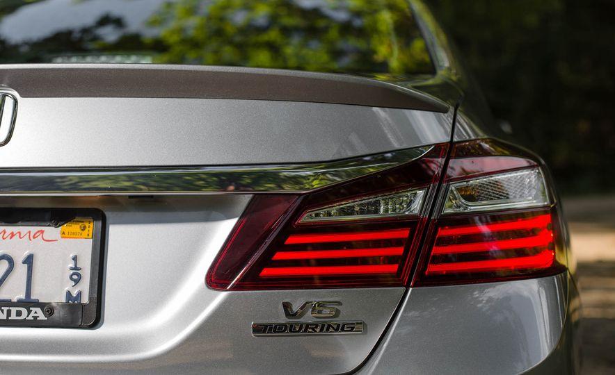 2016 Honda Accord V-6 Touring - Slide 10