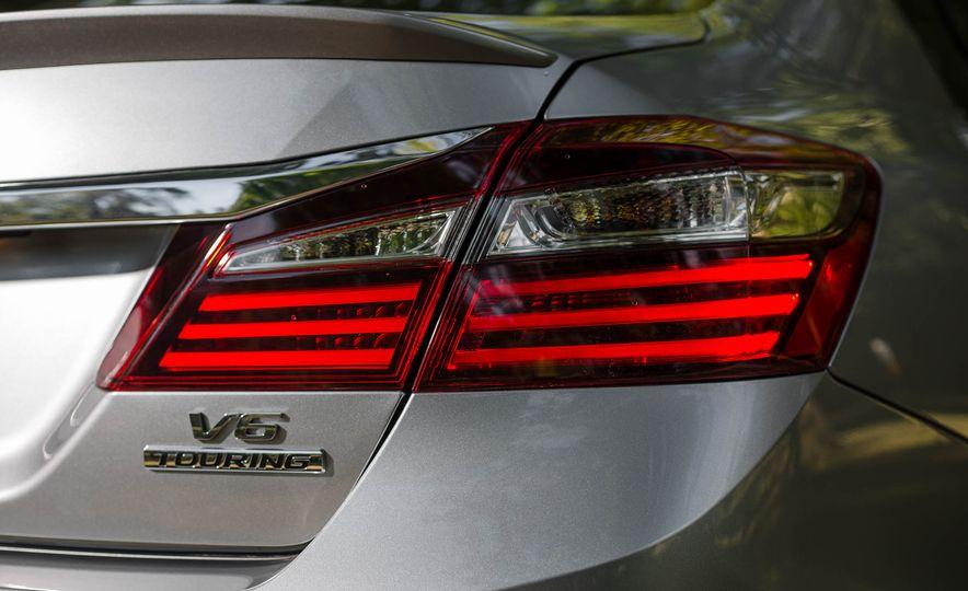 2016 Honda Accord V-6 Touring - Slide 12