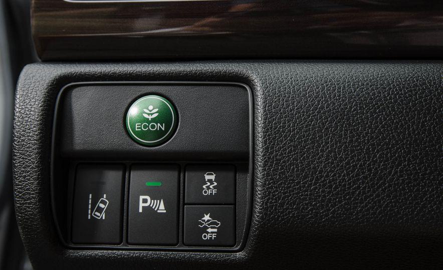 2016 Honda Accord V-6 Touring - Slide 33