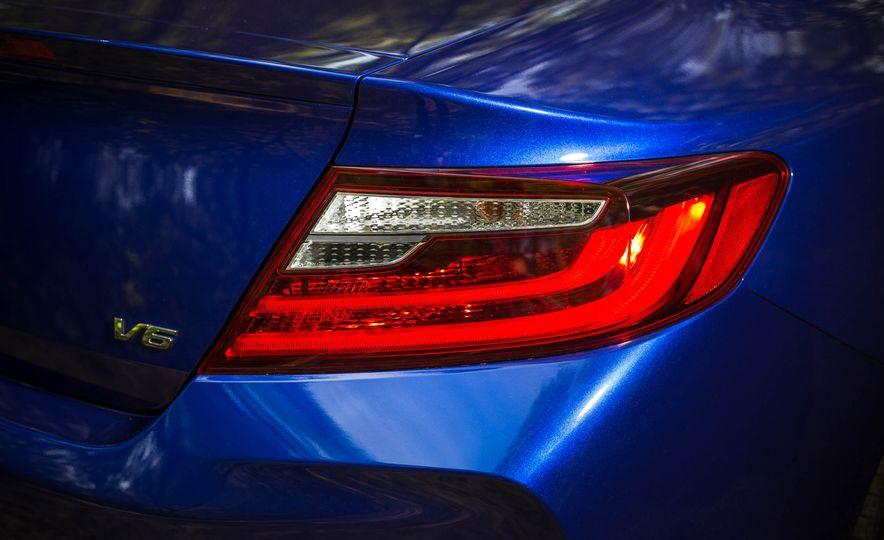 2016 Honda Accord V-6 coupe - Slide 8