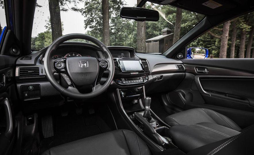 2016 Honda Accord V-6 coupe - Slide 11