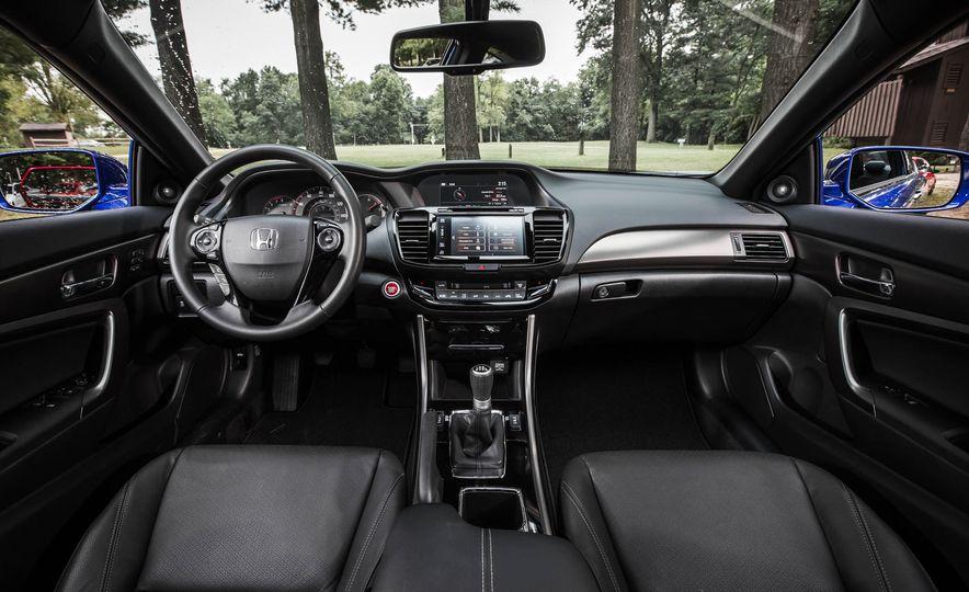 2016 Honda Accord V-6 coupe - Slide 12